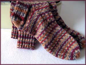 braunrotgemusterte Socken