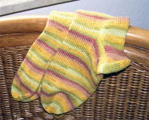afrikanische Farben an den Socken