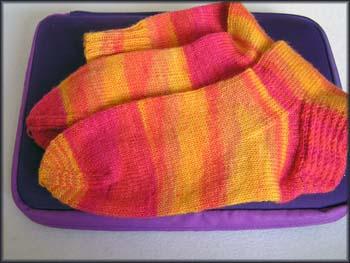 gelborangerote Socken