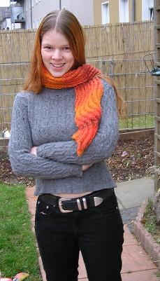 Mädchen mit neuem Schal