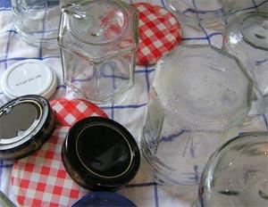 gespülte Marmeladengläser