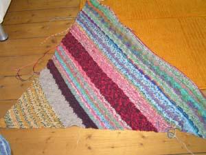 Dreiecktuch aus Sockenwollresten