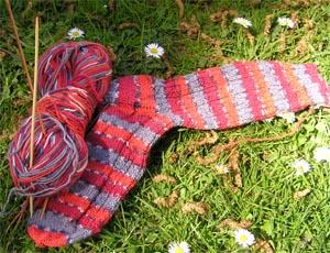 rotgemusterte Socken