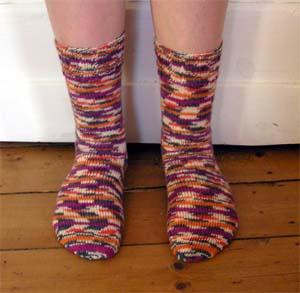 lilaorangegraubeigegemusterte Socken