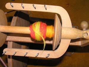 Wolle auf Spinnrad