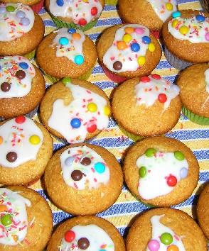 Muffins mit Smartiesverzierung